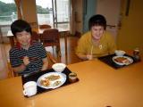 福祉ホームの食事の風景